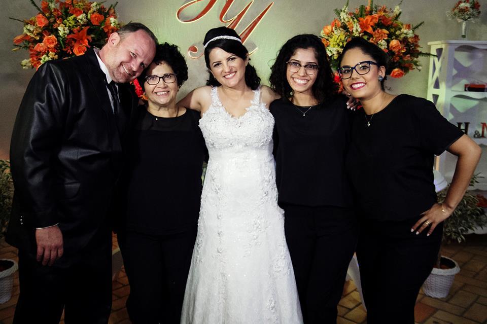 Equipe Ivanilde Reis Cerimonial parabeniza os noivos Marcio e Helena